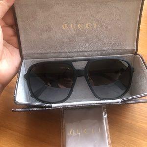 Authentic Gucci Sunglasses GG 1091/S